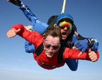 Fallschirmspringen - Fallschirmsprung als Gutschein verschenken